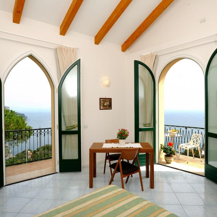 Positano Apartments: Apartments La Dolce Vita Villa In Ravello Amalfi Coast
